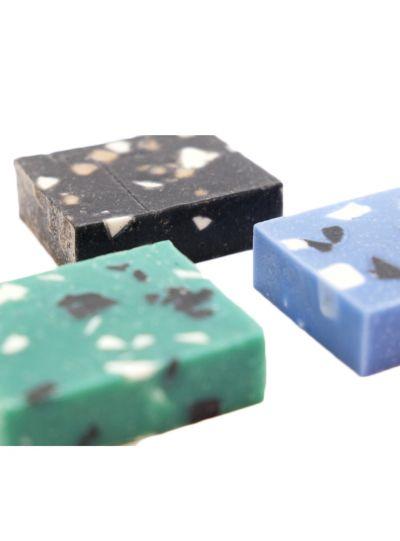 Kézzel készített szappan, kék kő